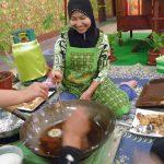 """Cooking """"Kuih Loyang"""""""